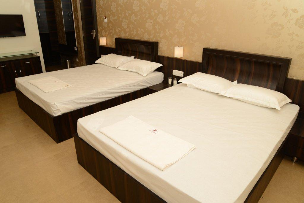 Hotel SPDS Triple Room