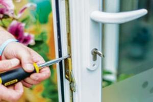 : Door Repair Canvey Island